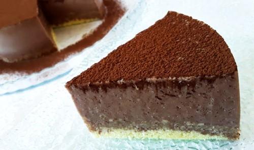 Шоколадный торт-суфле из ряженки и какао