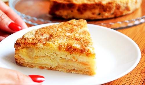 Насыпной пирог с яблоками «Три стакана»