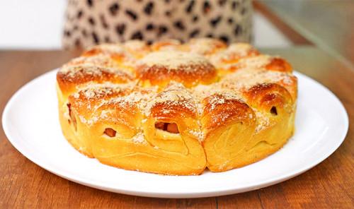 Яблочный пирог на дрожжевом тесте