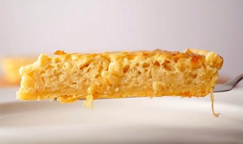 Пирог с луком и плавленым сыром «Чиполлино»