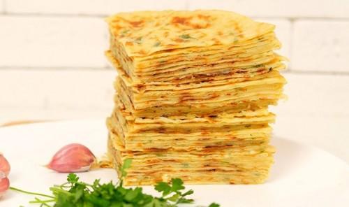 Хычины с начинкой из сыра, картошки и зелени