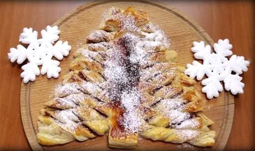 Пирог с нутеллой в виде ёлки