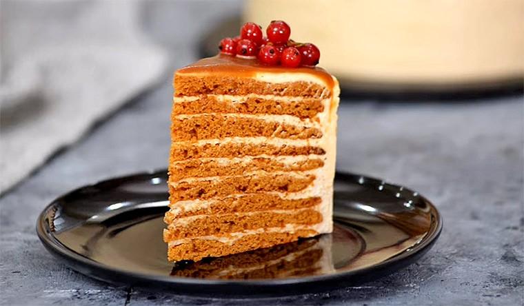 Торт с вареной сгущенкой «Карамельная девочка»