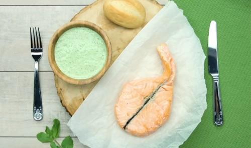 Соус к рыбе из йогурта и трав
