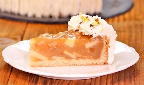 Яблочный торт с ванильным пудингом