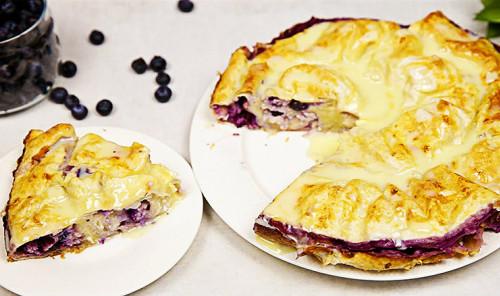 Пирог из лаваша с творогом и ягодами