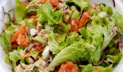 Легкий вечерний салат для худеющих