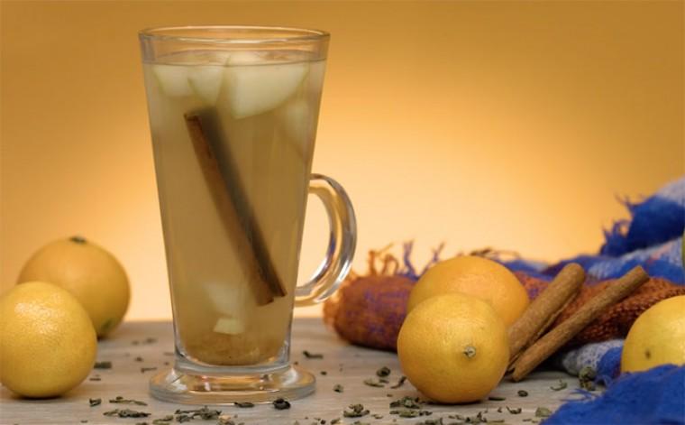 Яблочно-коричный чай к десерту