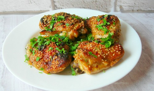 Куриные бедра в духовке по-восточному