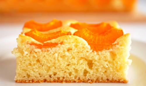 Абрикосовый пирог на сметане