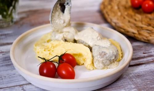 Тефтельки с картофельным пюре
