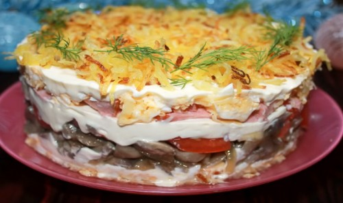 Слоеный салат с картофелем Пай