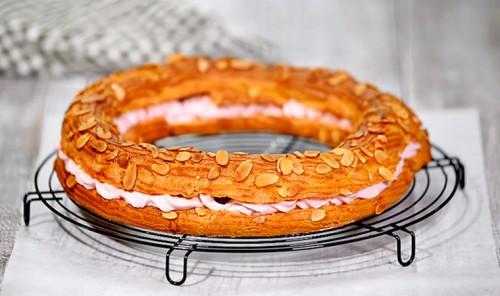 Пирожное с малиновым кремом «Пари-Брест»