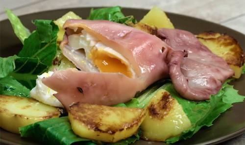 Яйцо в кальмаре на молодом картофеле