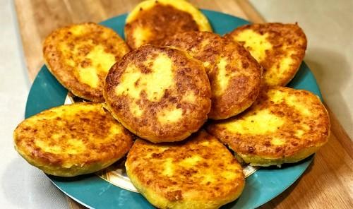 Лепешки из кукурузной муки с сыром сулугуни «Чвиштари»