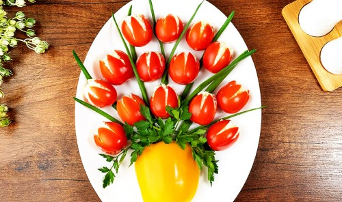 Праздничная закуска «Ваза с тюльпанами»