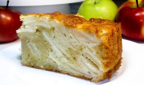 Шарлотка с яблоками за 10 минут