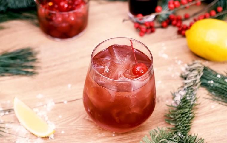Алкогольный коктейль с джином и ликером