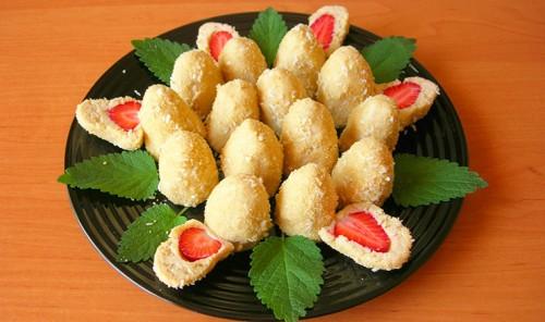 Печенье без выпечки с клубникой