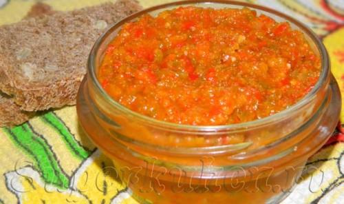 Острый соус из измельченного перца чили