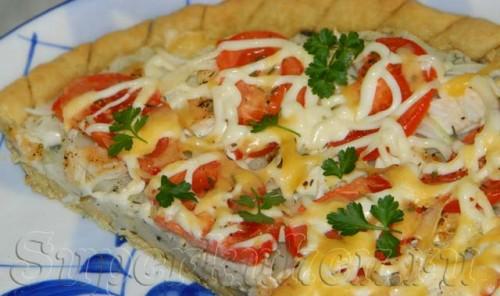 Открытый пирог с куриным филе и картошкой