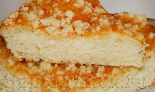 Дрожжевой пирог с вареньем и штрейзелем