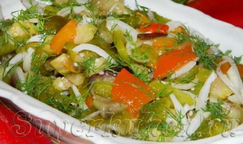 Салат из баклажанов с болгарским перцем