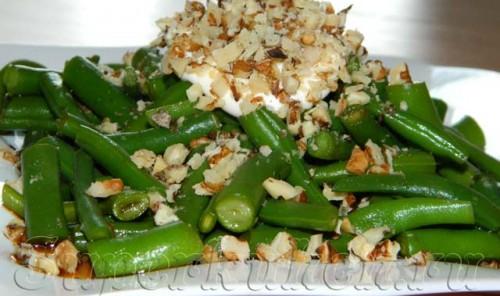 Салат из стручковой фасоли и грецких орехов
