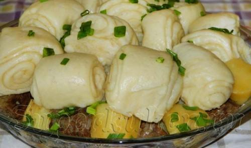Немецкий штрудель с мясом и картошкой