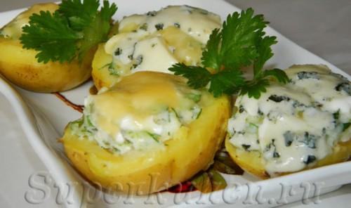Запеченные картофельные лодочки с сыром и зеленью