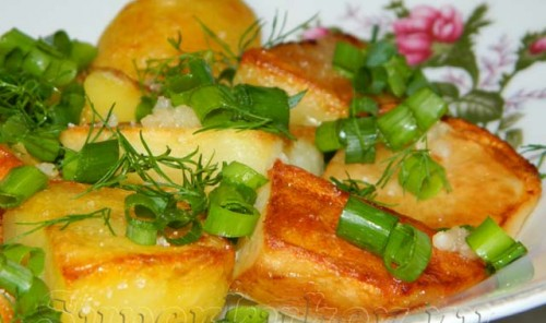 Картошка кусочками, жаренная на сковороде