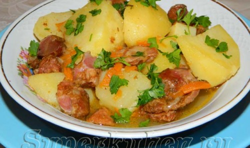 Куриные желудочки, тушеные с картошкой
