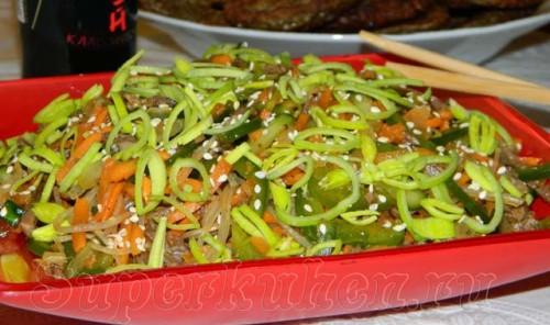 Фунчоза по-корейски с мясом и овощами