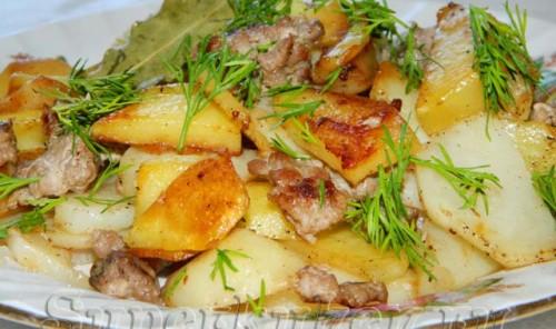 Картошка жареная с фаршем