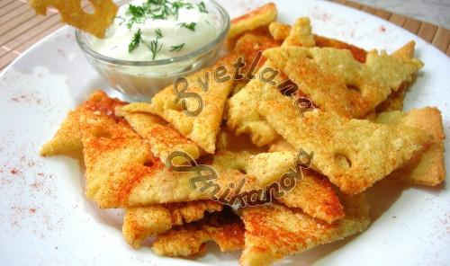 Хрустящие сырные чипсы