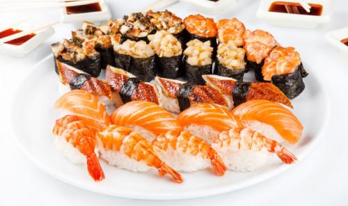 Запеченные суши с морепродуктами